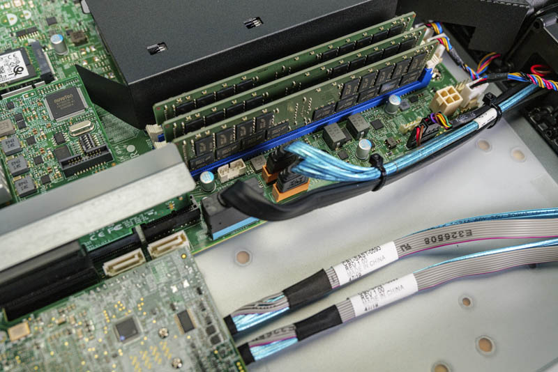 Supermicro SYS 1019P WTR SATADOM Connectors