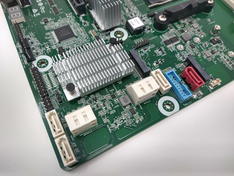 ASRock Rack X570D4U 2L2T SATA Ports