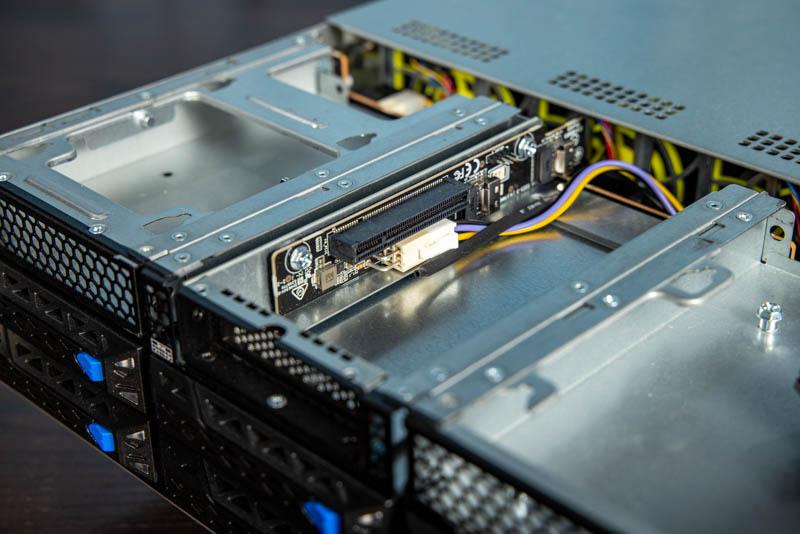 ASUS ESC4000A E10 Front PCIe Gen4 X8
