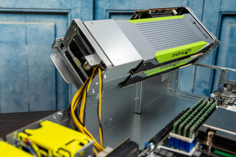 ASUS ESC4000A E10 Left Two GPUs Out