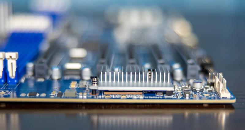 Gigabyte MZ72 HB0 Broadcom 10GbE NIC