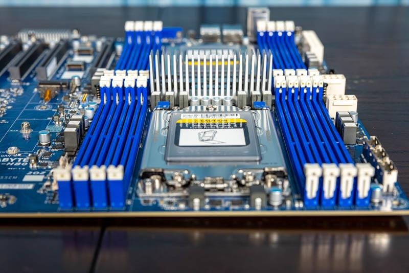 Gigabyte MZ72 HB0 CPU And Memory Airflow