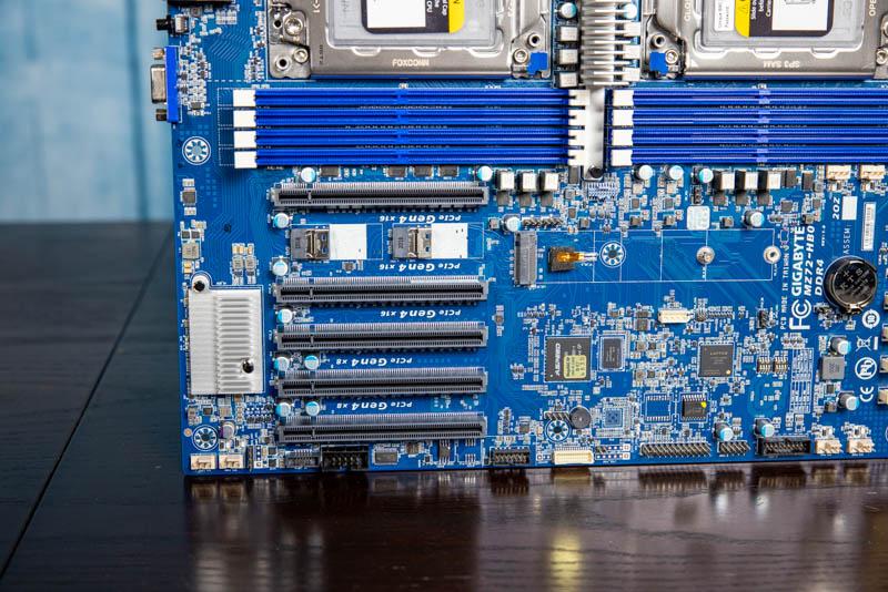 Gigabyte MZ72 HB0 PCIe Gen4 Slots And Headers