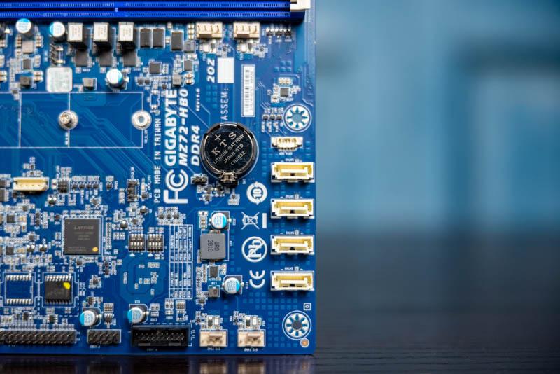 Gigabyte MZ72 HB0 SATA