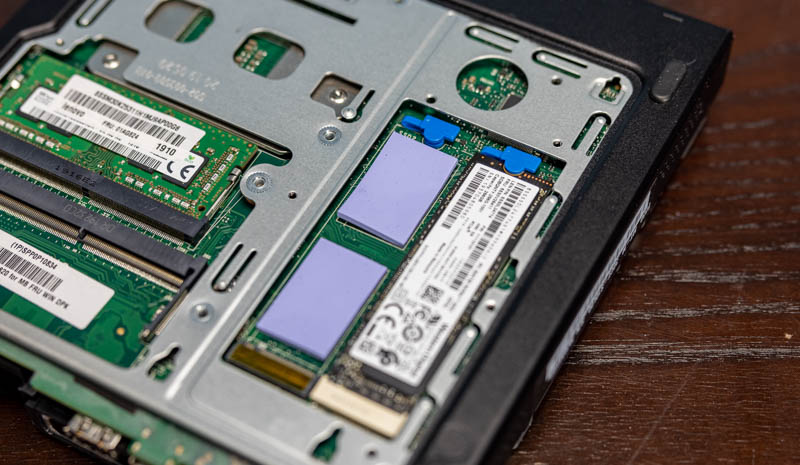 Lenovo ThinkStation P330 Tiny 14
