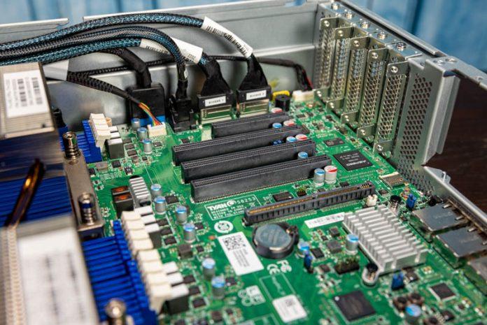 Tyan Transport SX TS65 B8253 PCIe LP Slots No Riser