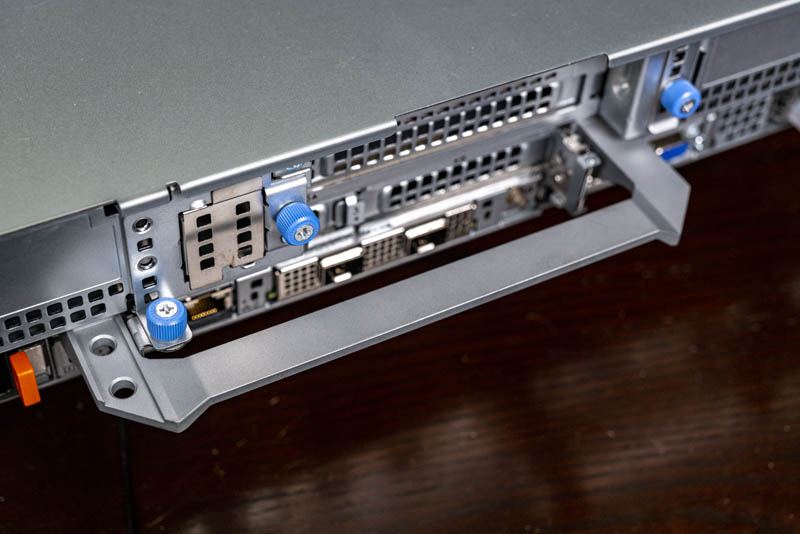 Dell EMC PowerEdge R7525 Rear Handle