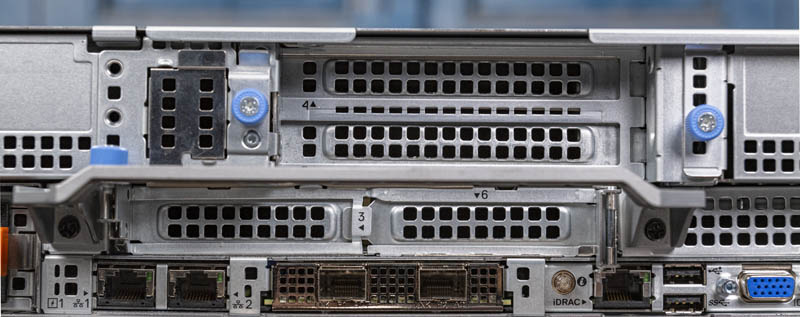 Dell EMC PowerEdge R7525 Rear IO