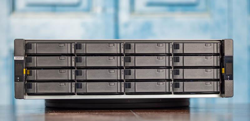 QNAP GM 1002 16x Front Bays 2
