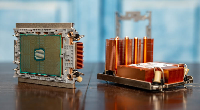 3rd Gen Intel Xeon Scalable Two Heatsinks With CPU Installed 1