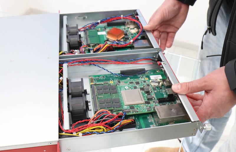 SolidRun Honeycomb LX2 Server