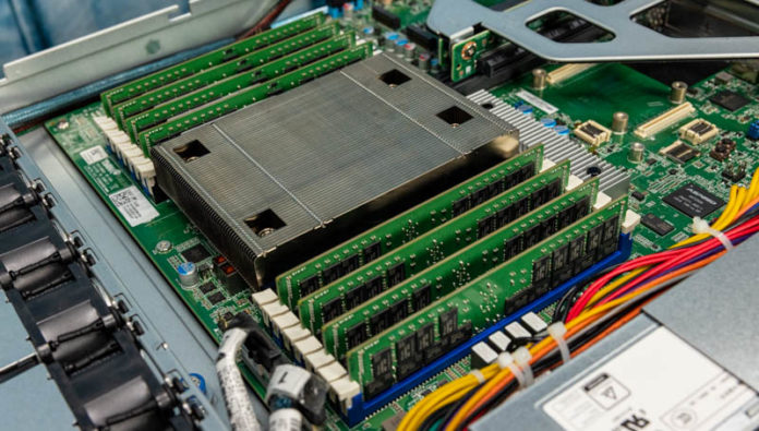 Tyan Transport CX GC68B8036 LE CPU And Memory Angle