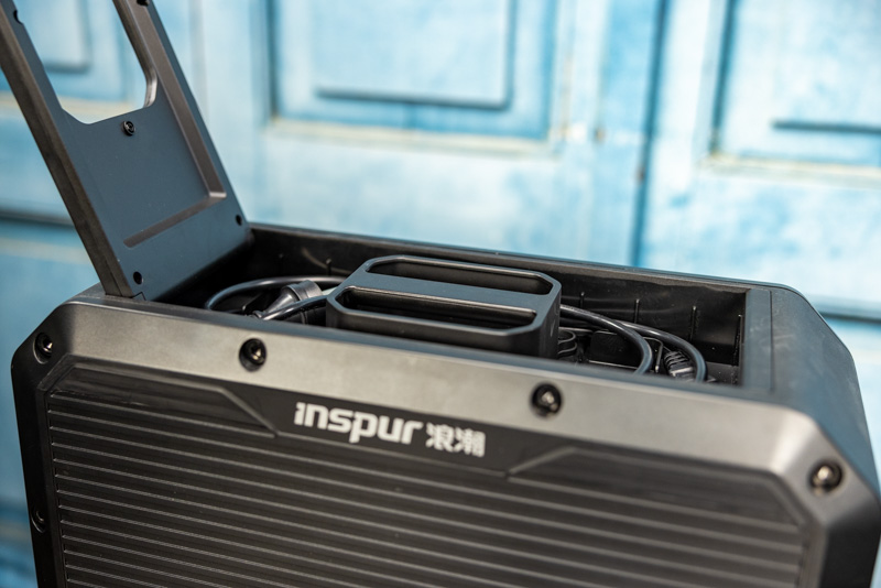 Inspur NF3412M5 Top Handle Area