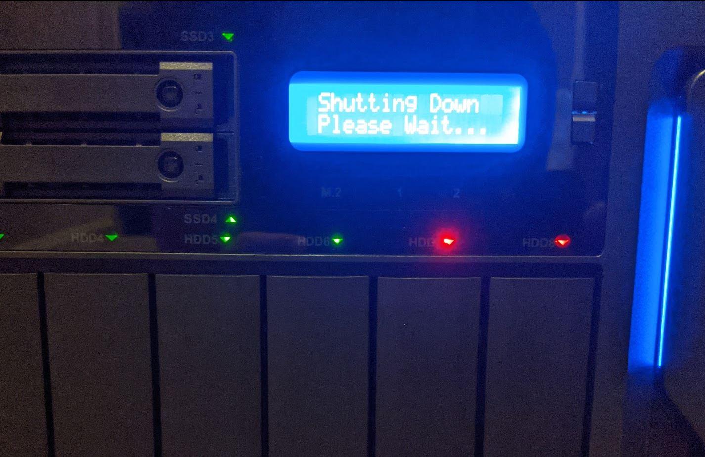 QNAP TVS H1288X Status Screen 2