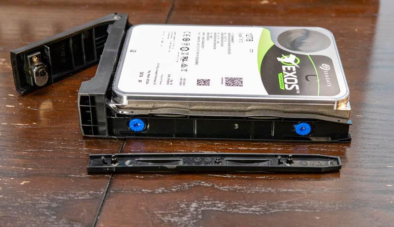 QNAP TVS H1288X Tool Less Drive Trays