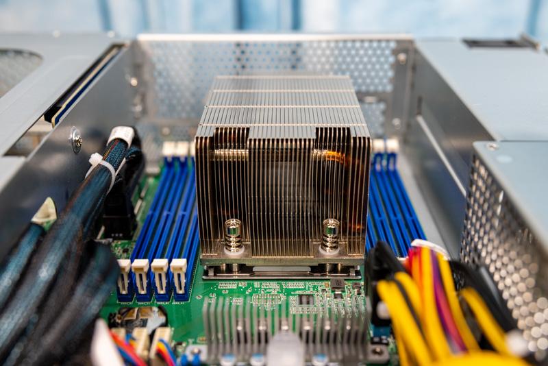 ASRock Rack 2U4G ROME 2T AMD EPYC SP3 Socket