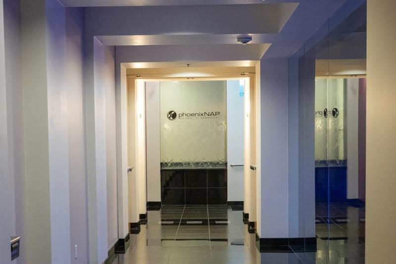 PhoenixNAP Hallway To The NOC And Floor