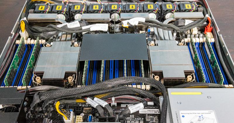 ASUS RS700 E10 RS12U CPU Memory And Airflow