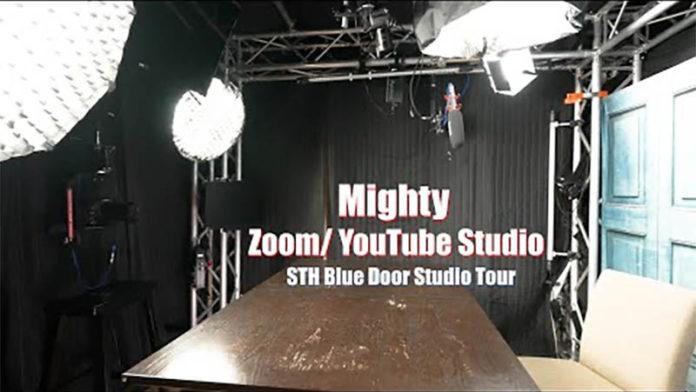 STH Blue Door Studio Tour