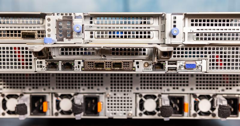 Dell EMC PowerEdge XE8545 Rear IO And OCP NIC 3.0