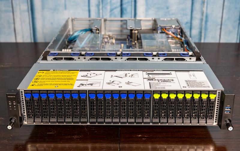 Gigabyte R282 N80 Front