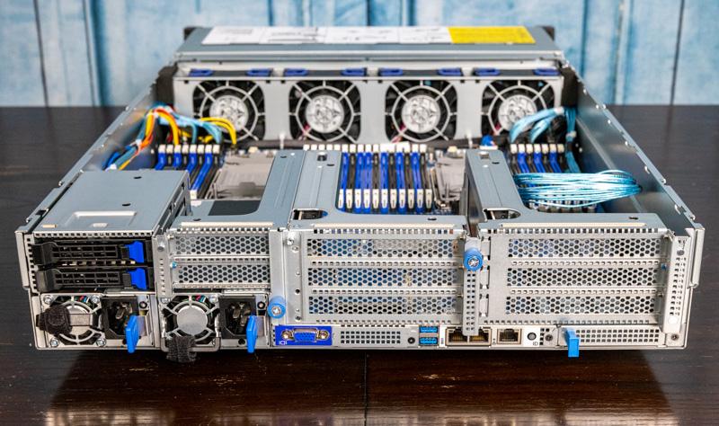 Gigabyte R282 N80 Rear 2