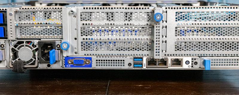 Gigabyte R282 N80 Rear IO