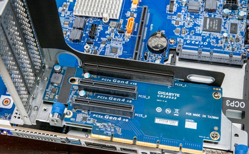 Gigabyte R282 N80 Riser 1