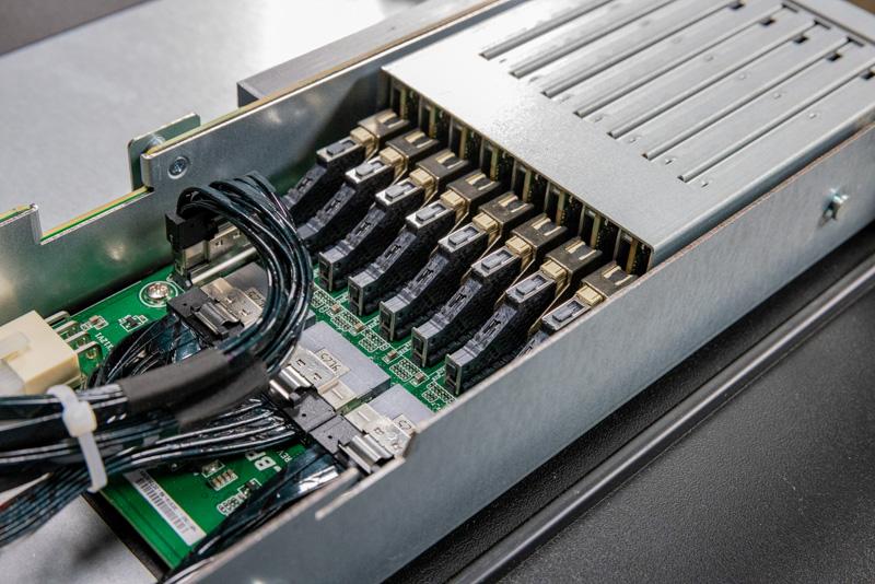 ASRock Rack 1U4G ROME EDSFF Bay Connectors