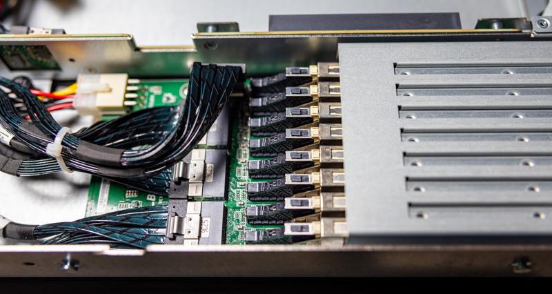 ASRock Rack 1U4G ROME EDSFF Connector 3