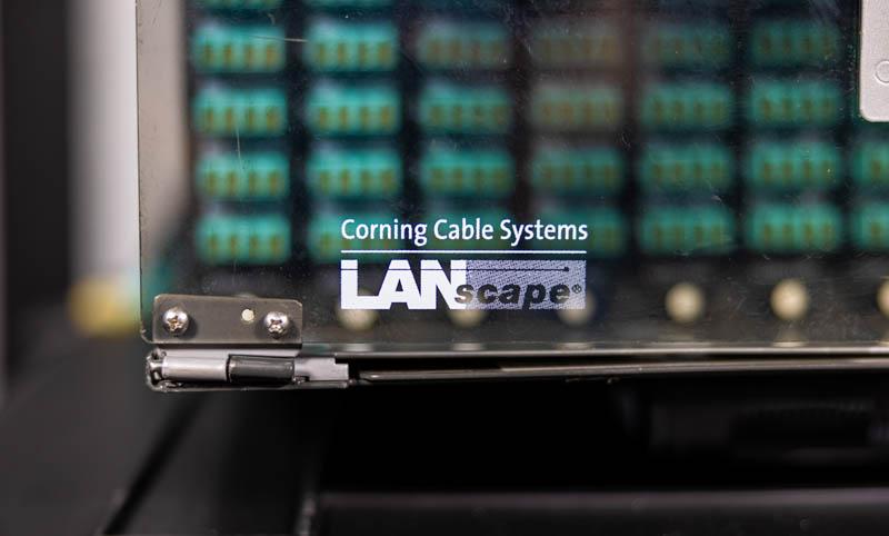 Fiber Optic Cassettes Corning CCH 04U Front LANscape