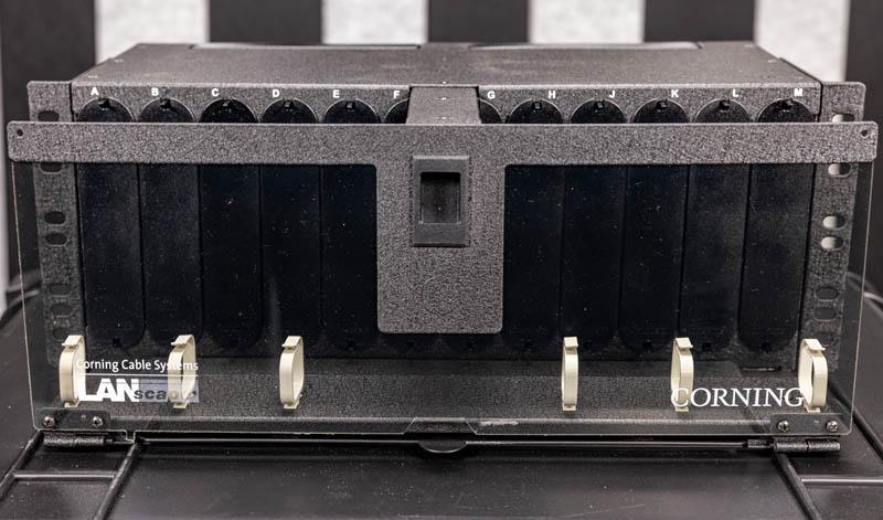 Fiber Optic Cassettes Corning CCH 04U Newer Front